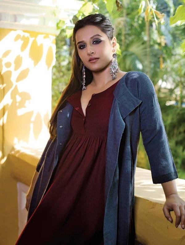 vidya-balan-photoshoot-for-filmfare-magazine-december-2016- (8)