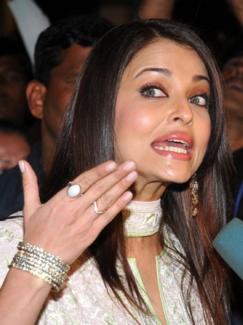 funny-expressions-of-bollywood-celebrities- (30)