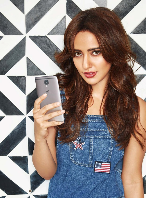 neha-sharma-photoshoot-for-exhibit-magazine-january-2017- (7)