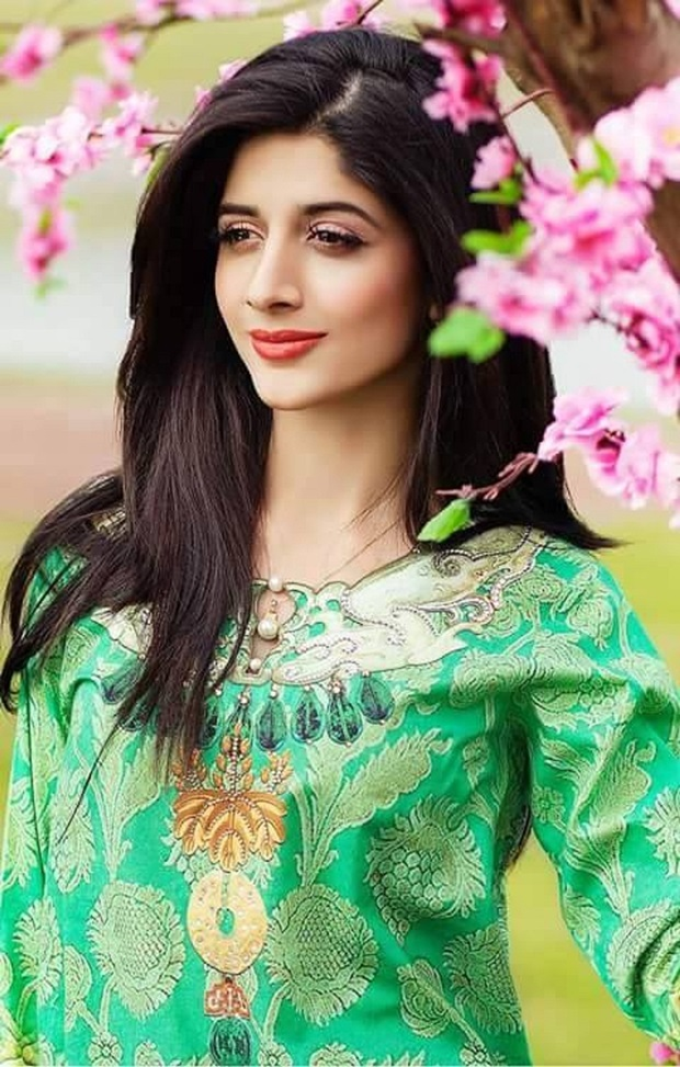 mawra-hocane-photos- (8)