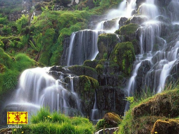 photos-of-beautiful-waterfalls-around-the-world- (20)
