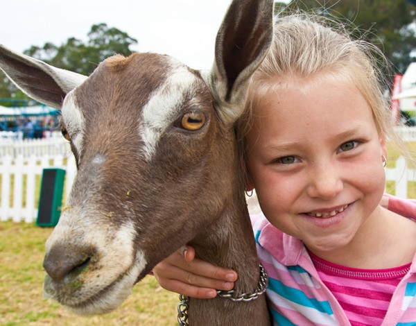 pictures-of-children-and-animals- (14)