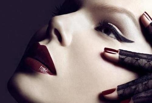 best-dark-lipstick-shades- (12)