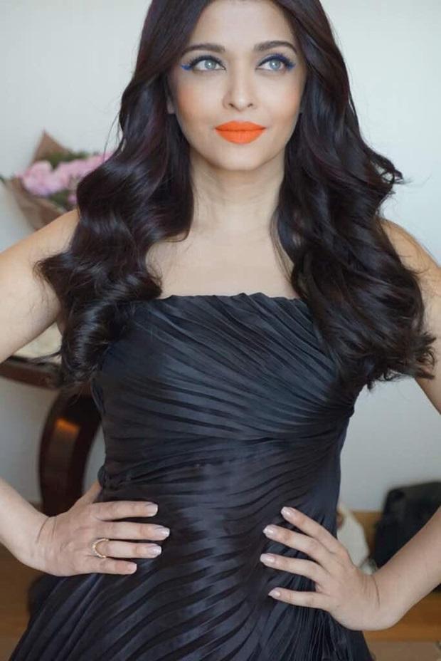 aishwarya-rai-in-black-dress-at-cannes-film-festival-2017- (5)