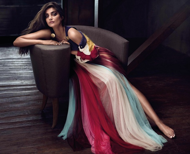 sonam-kapoor-photoshoot-for-vogue-magazine-june-2017- (3)