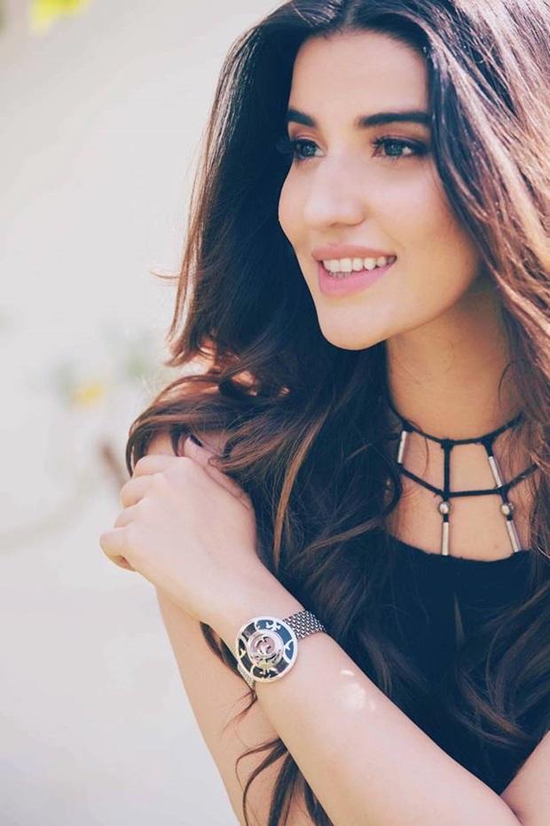 beautiful-pakistani-actress-hareem-farooq-photos- (3)