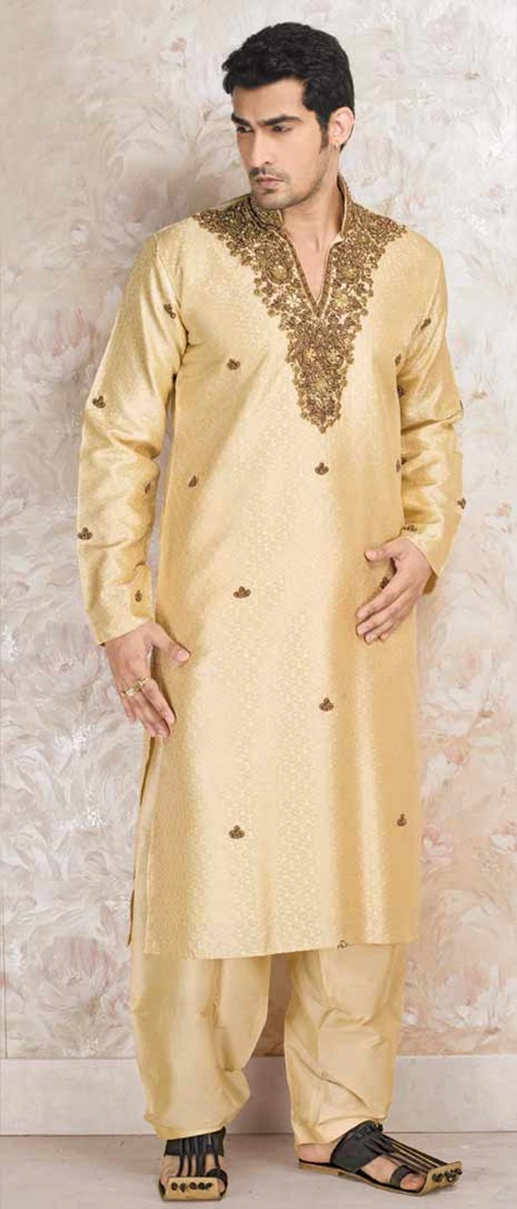 festive-pathani-suits-for-men- (4)
