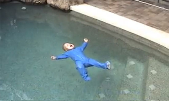 This baby fell into the swimming pool. What happened next made my palms sweat. WOW!