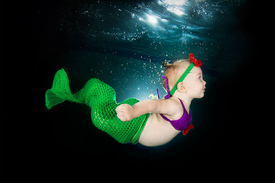 Real life waterbabies! Photographers take incredible pictures of toddlers exploring the underwater world