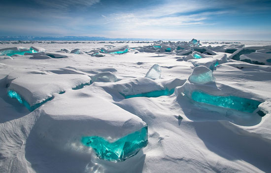 Stunning photographs of frozen lake Baikal in Siberia, Russia will chill your bones