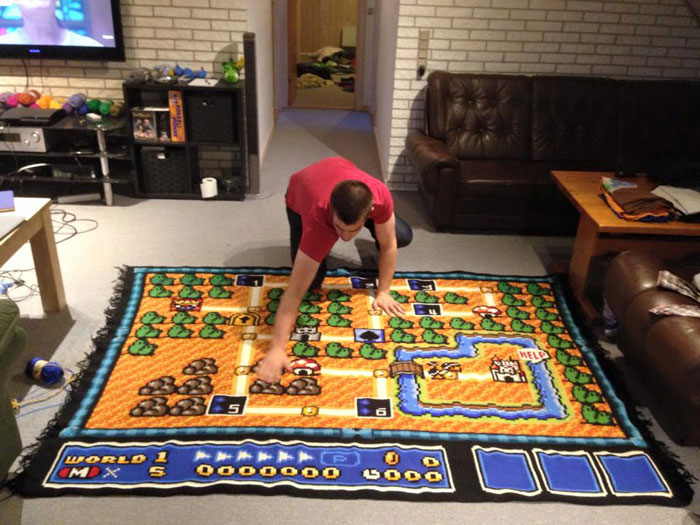 He spent 800 hours to complete this awesome blanket.