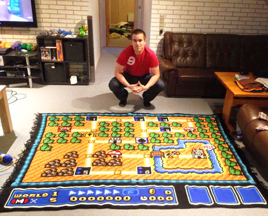 This man spent 6 years building a Super Mario Bros map blanket and it's awesome!