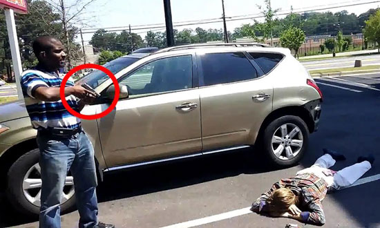 When this guy busted a thief, no one thought he would do THIS. Especially the thief