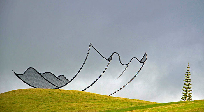 Horizons: Giant Steel Sculpture by Neil Dawson in Gibbs Farm