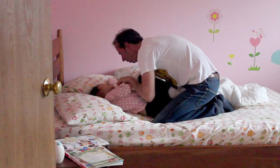 Forget Alarm Clock! This Father Has Some Hilarious Tactics to Wake His Daughter Up