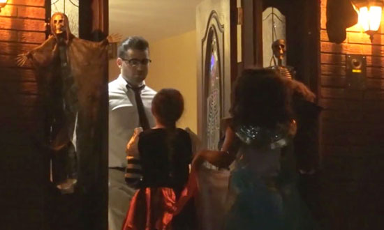 Kids Trick Or Treating Get Invited Inside By A Stranger. They'll NEVER Forget What Happened Next!