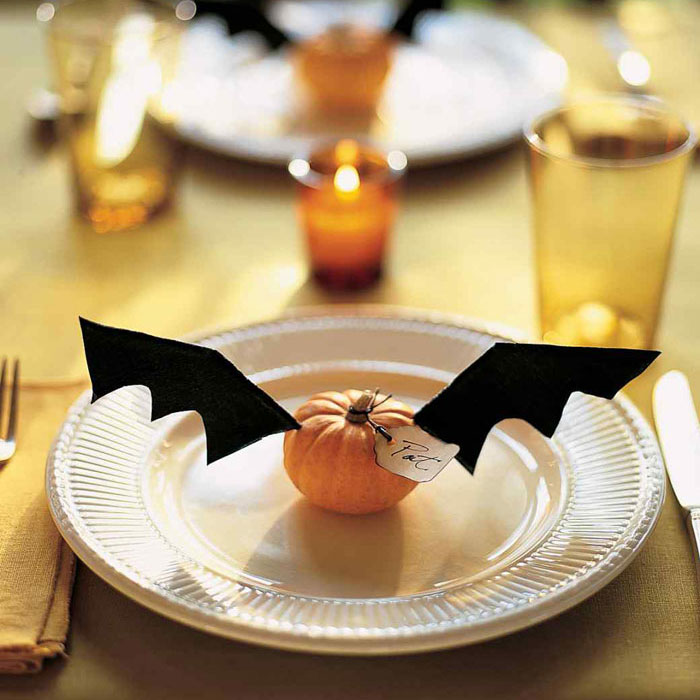 Decorating Pumpkins for Halloween - Flying Place Cards