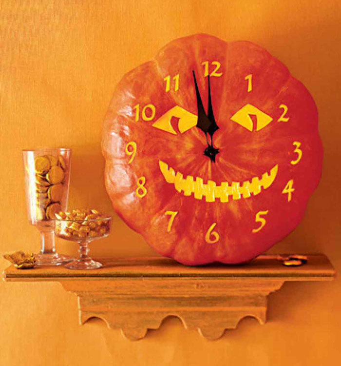 Decorating Pumpkins for Halloween - Jack O' The Clock