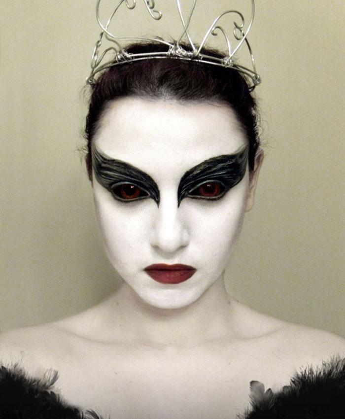 Halloween Makeup Ideas - Black Swan