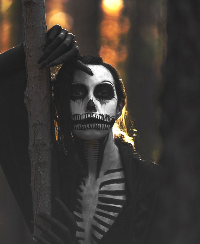 Scary Halloween Makeup - Lonely Skeleton