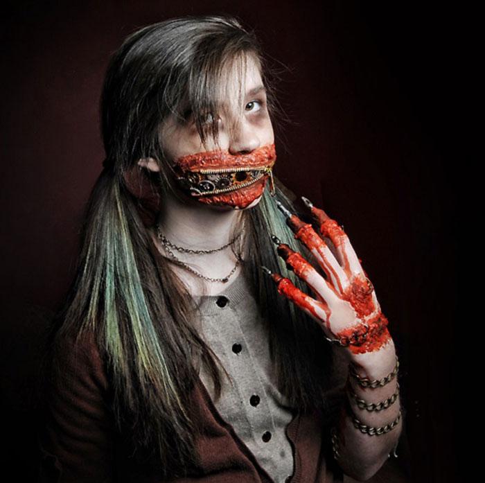 Creepy Halloween Makeup - Zipper Face