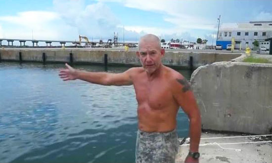 Ex-Marine Shows How To Survive If You're Drowning. You Must Watch Closely, It Might Save Your Life One Day!