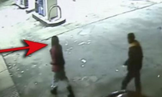 He Holds a Woman Hostage. So The Gas Station Clerk Did This to Save Her Life!