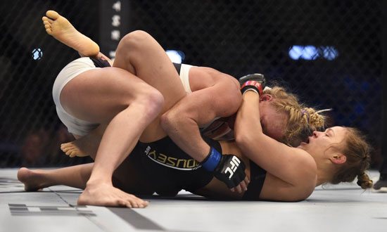 Ronda Rousey Loses For The First Time In Her Career After Holm Knocks Her Out