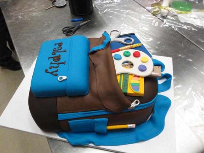 Amazing Cakes - Back to School Cake