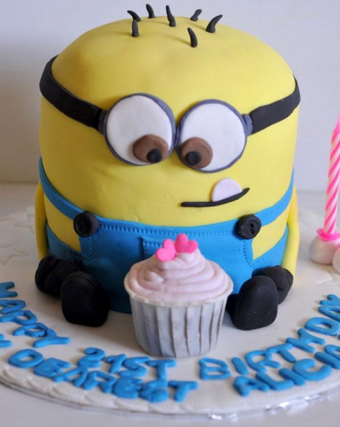 Cake Decorating Ideas - Minion Cake