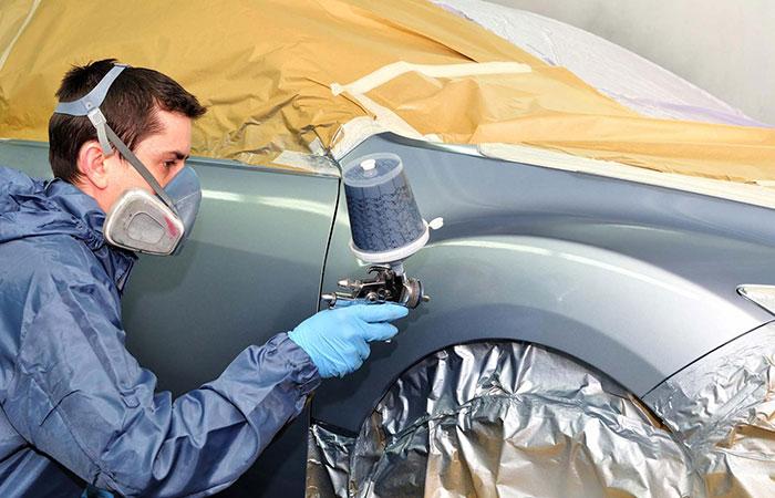 Mustang Spray Painting