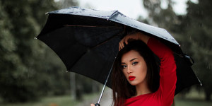 4 Ways to Stay Chic on Wet Days