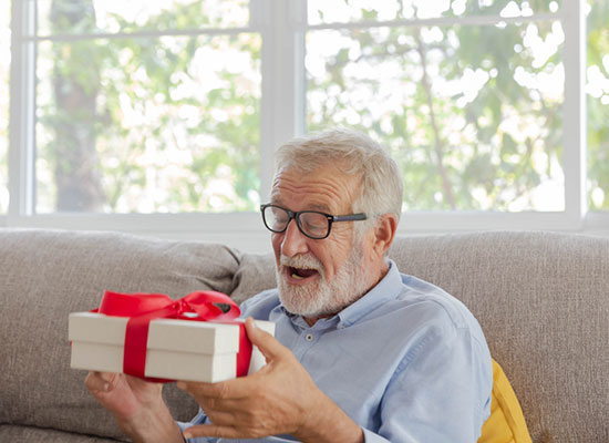 Top 7 Gifts for the Retired Colleague
