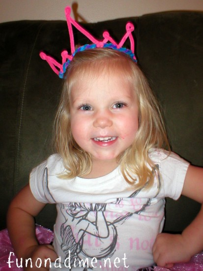 Easy Pipe Cleaner Crowns