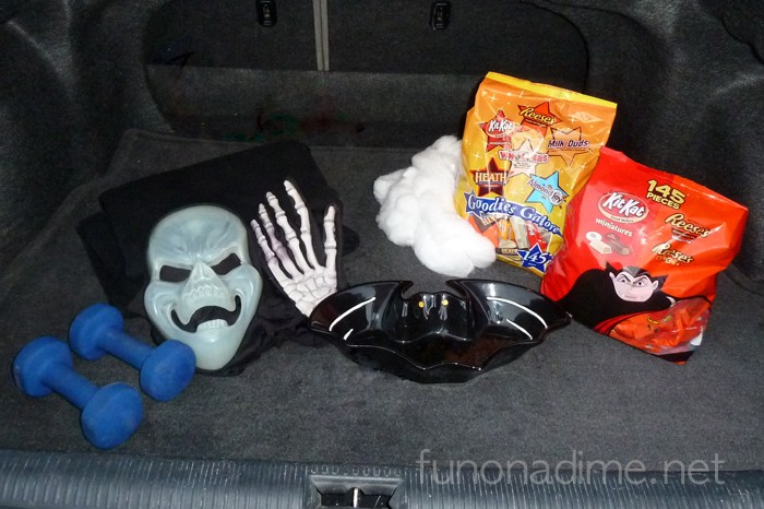 Fun and Spooky Trunk or Treat Idea