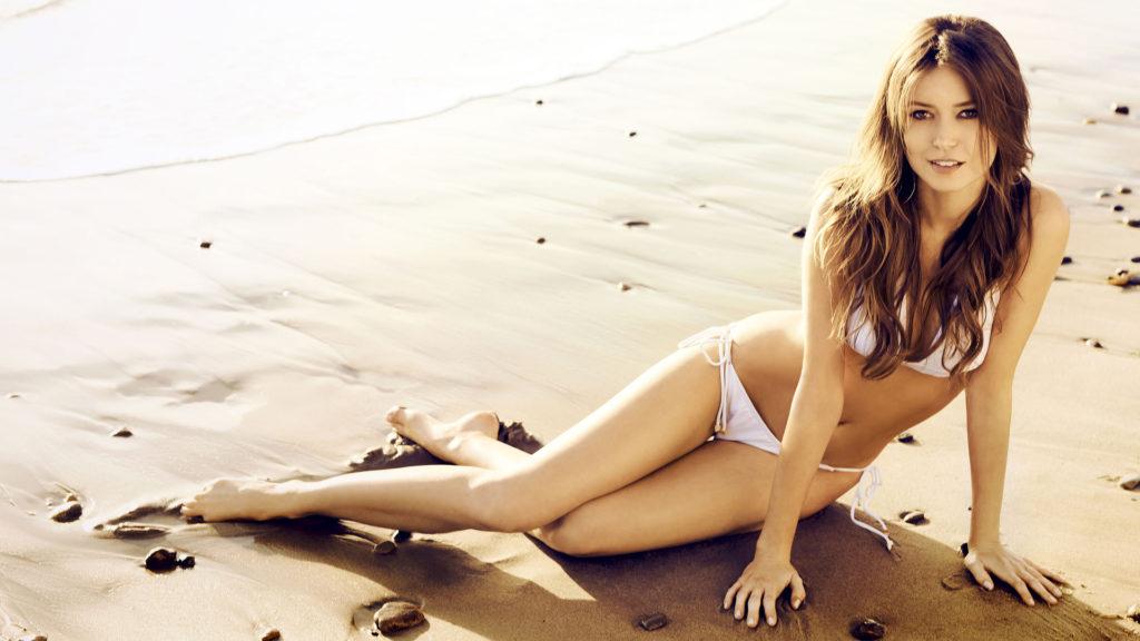 Natalie Zea hot bikini photos