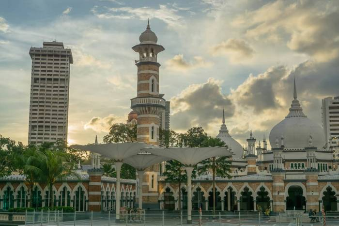 Sunset Shot of Masjid Jamek Mosque from the Train Station in Kua