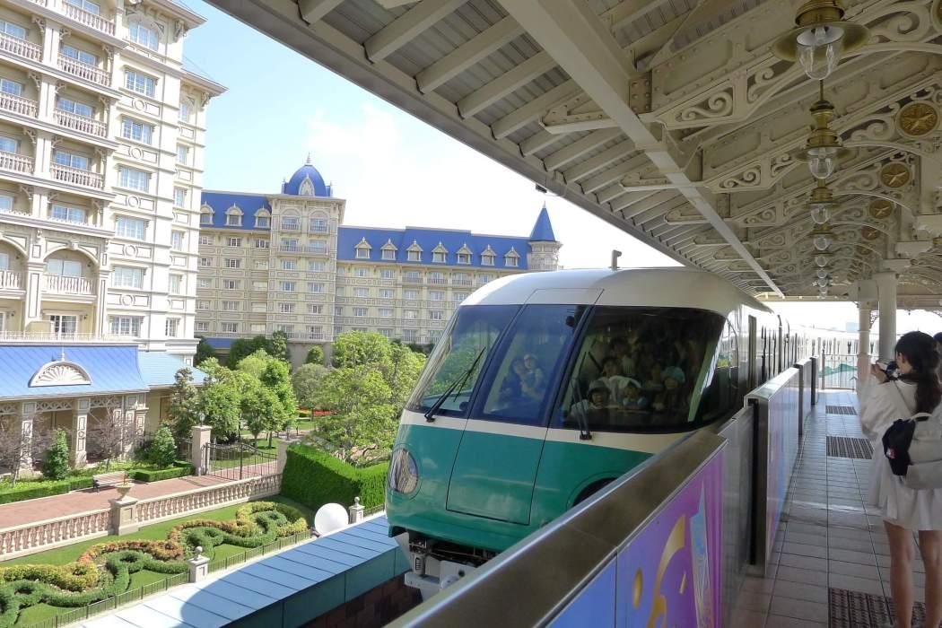 東京迪士尼樂園列車