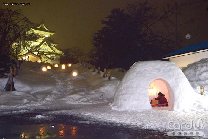 「橫手雪屋」