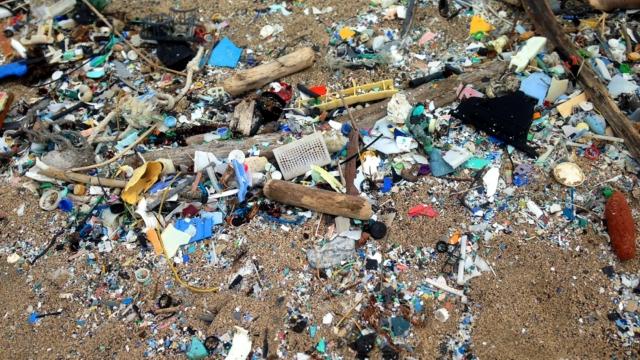 Microplásticos – 1/3 Da Poluição Dos Oceanos Por Plástico Vem Da Lavagem De Roupas Sintéticas