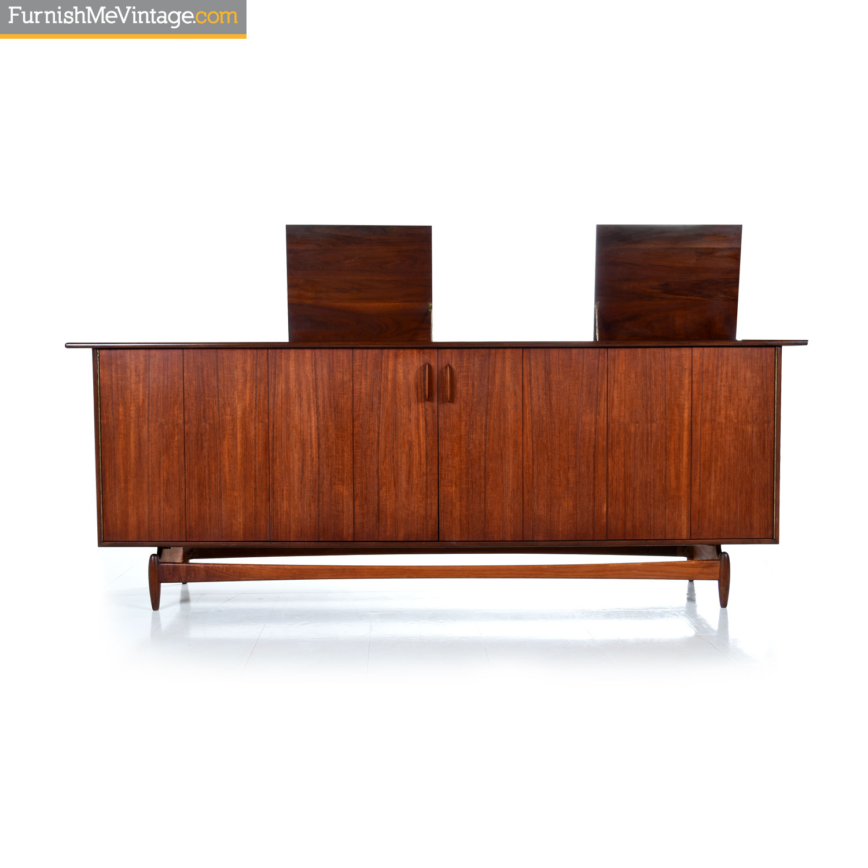 Jens Risom Style Mid Century Modern Walnut Hi Fi Cabinet Media Credenza