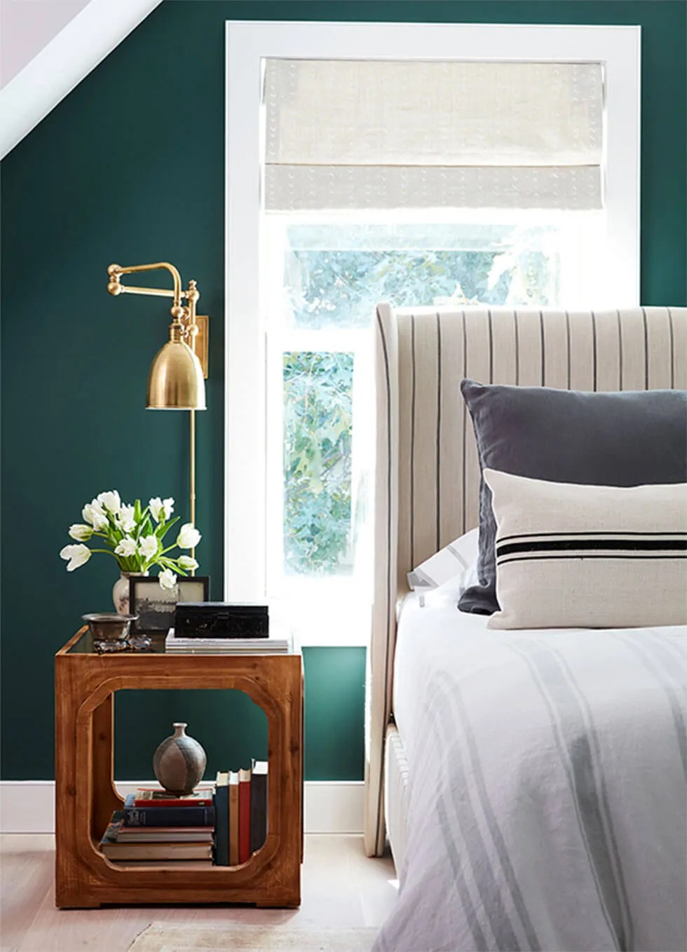 7 Inspiring Ideas For Your Bedroom Walls Furniture Choice