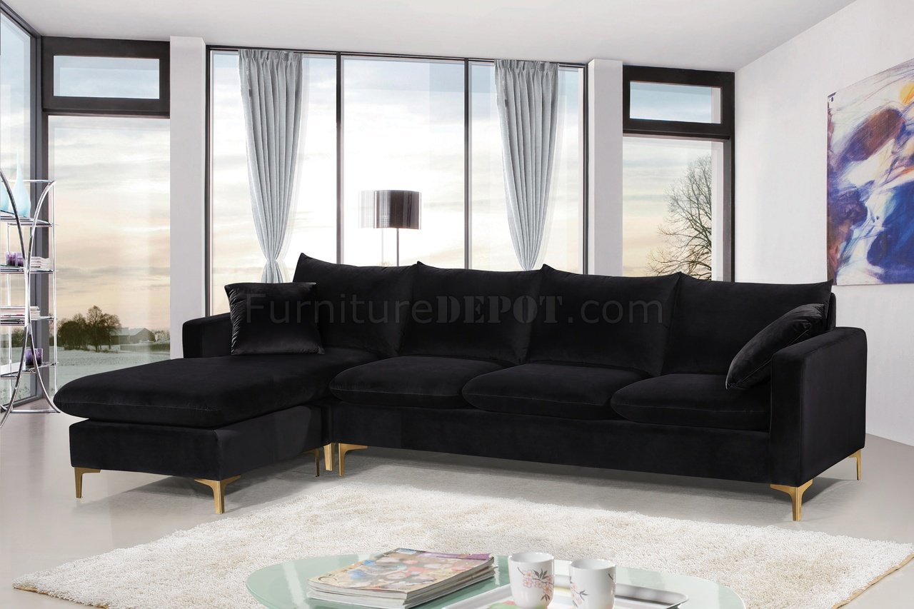 naomi sectional sofa 636 in black