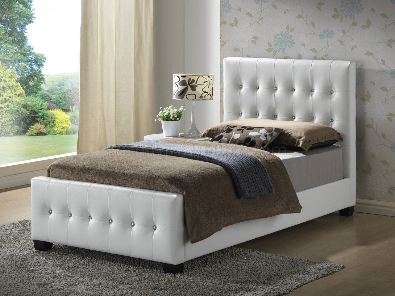 g2587 upholstered bed in white