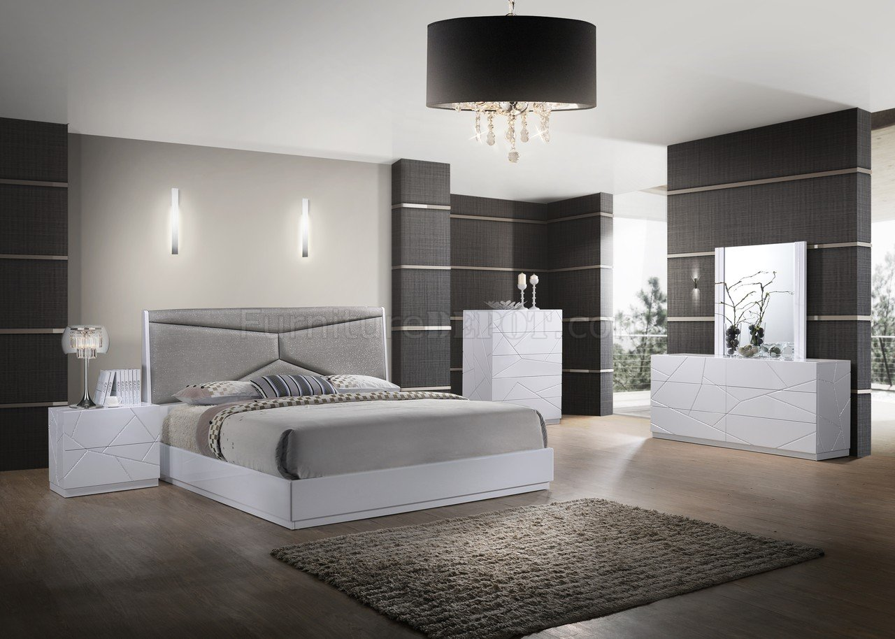 Pandora Bedroom 5Pc Set In White By Global WUpholstered Bed