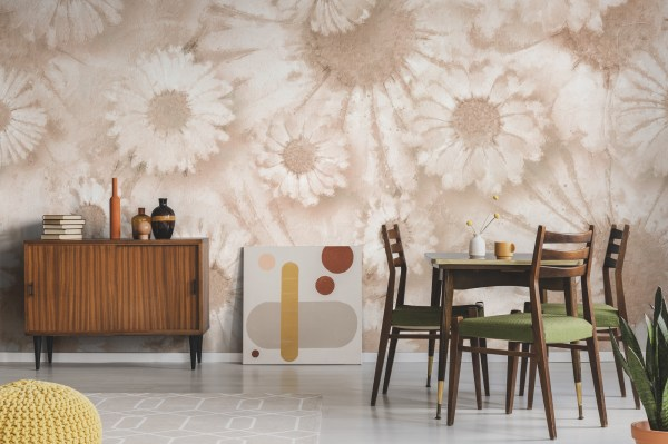 daisy floral wallpaper in dining room