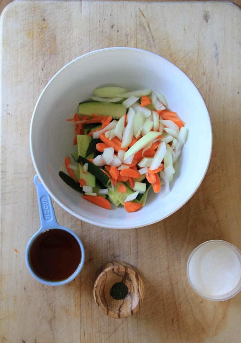 Quick & Easy Fridge Pickle Recipe | Cucumber & Carrot