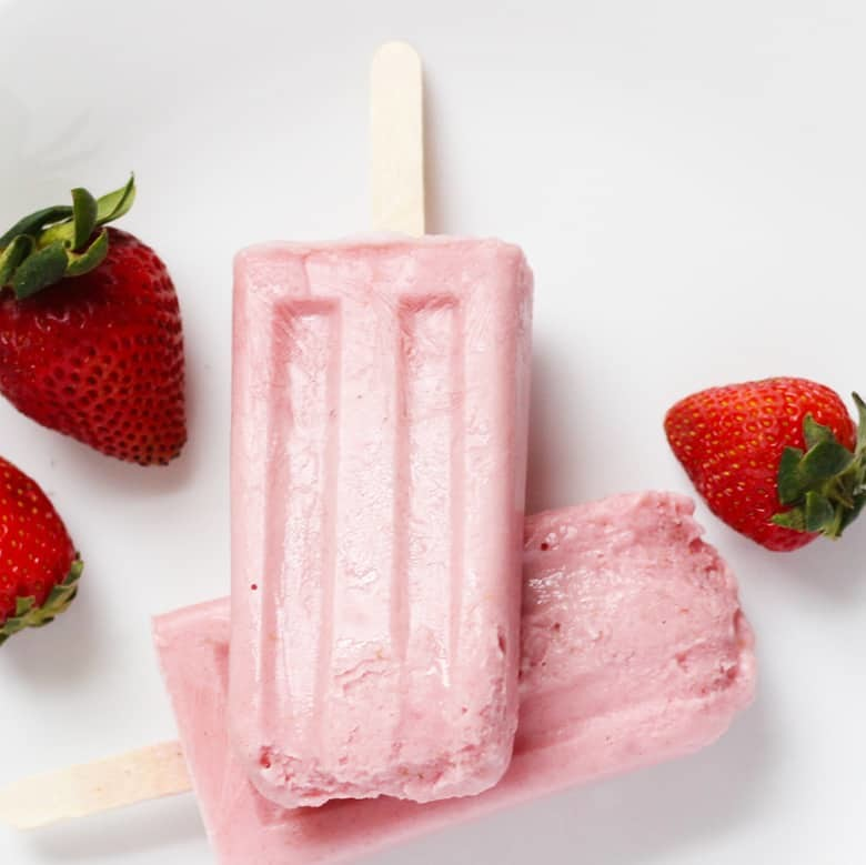 Syn Free Strawberry Banana Popsicles | Summer Popsicle Series. 3 Ingredient clean eating popsicles, a smarter way to Summer! Try these and beat the heat, guilt free!