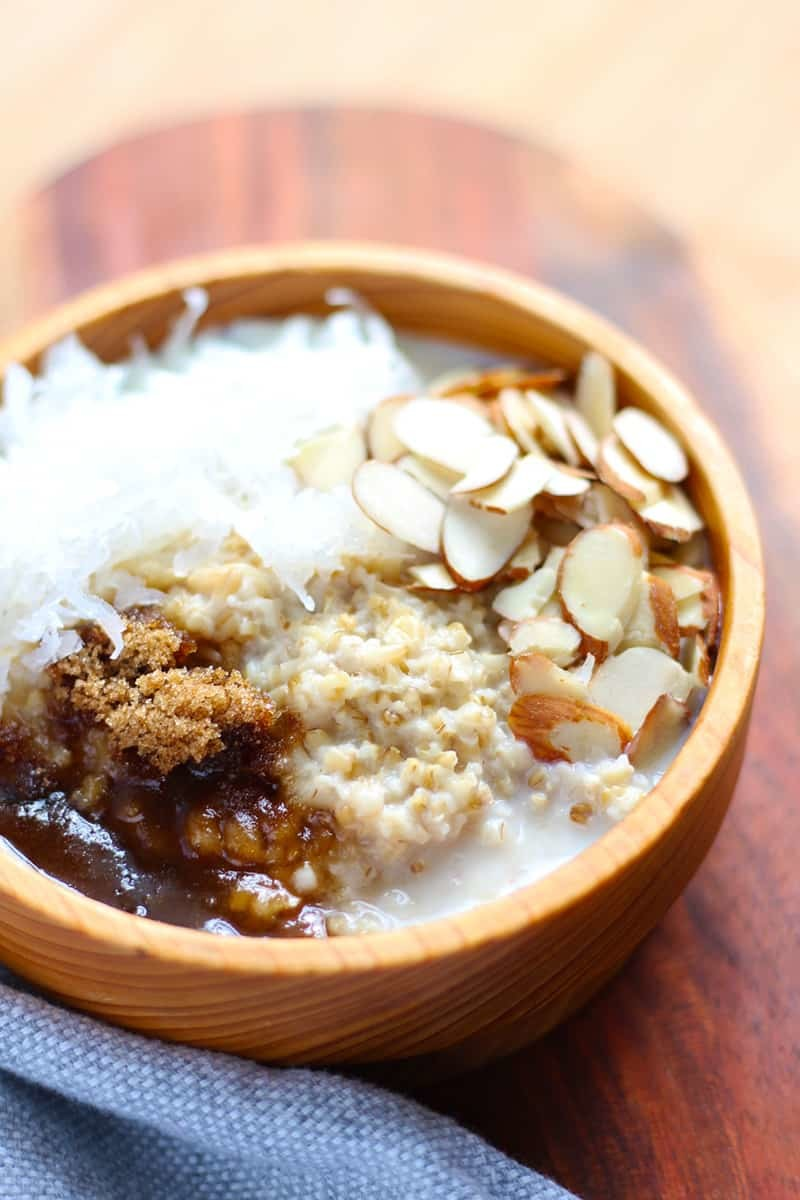 Slow Cooker Steel-Cut Oatmeal with Coconut & Almonds