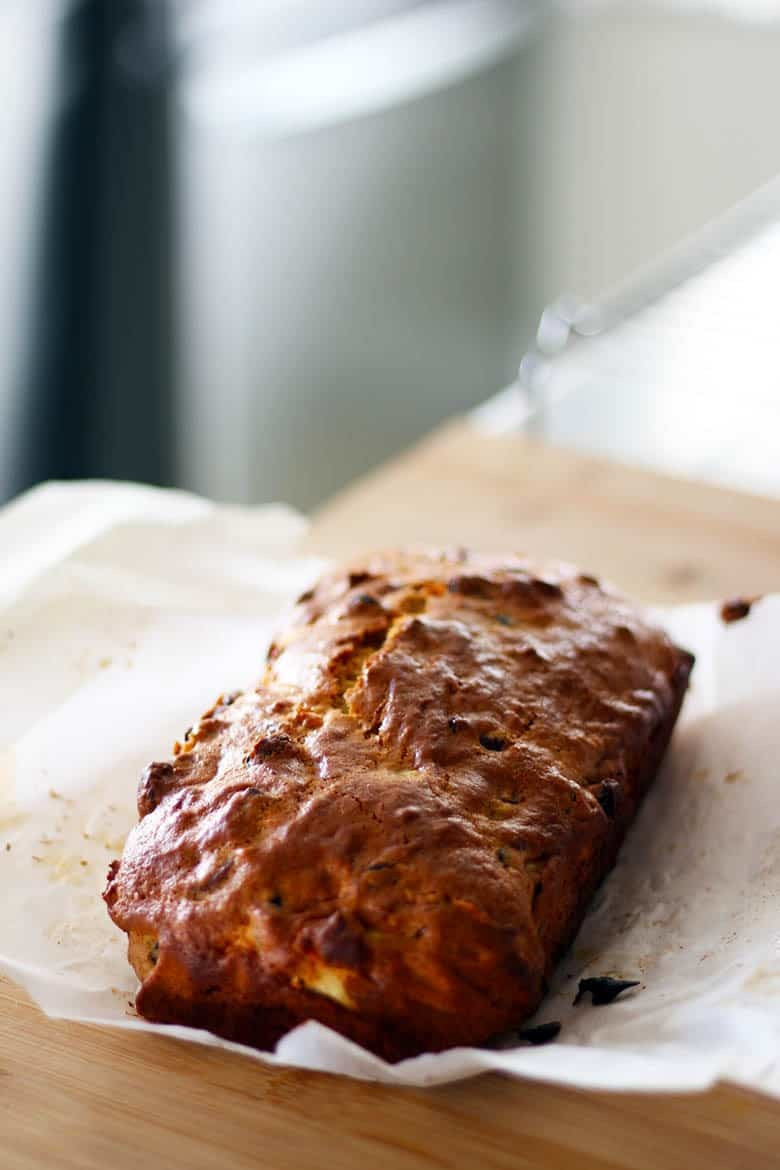 Apple Quick Bread With Mince Recipe | This simple and quick apple bread is spiced with Christmas mince and easy to make.